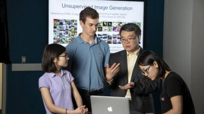 Professor Yiran Chen, second from right, and students. (Duke Photo)